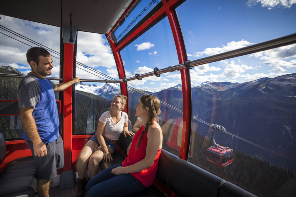 Hiking and sightseeing in Whistler alpine. PC: Tourism Whistler/Justa Jeskova