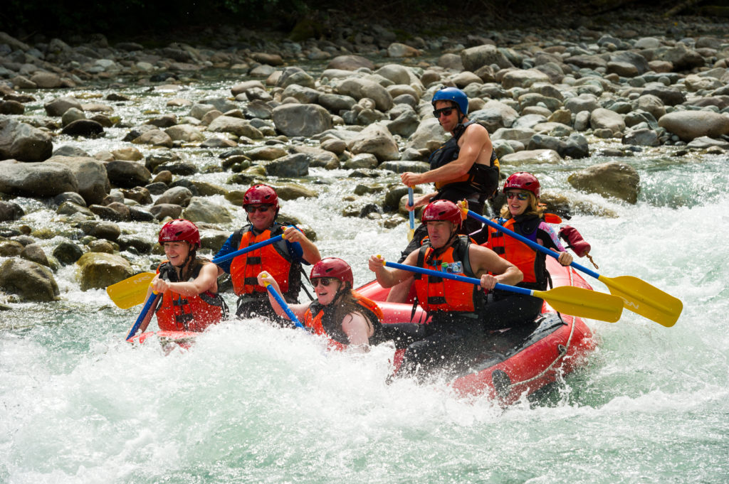 White water rafting on the Cheakamus River. PC: Tourism Whistler/Mike Crane